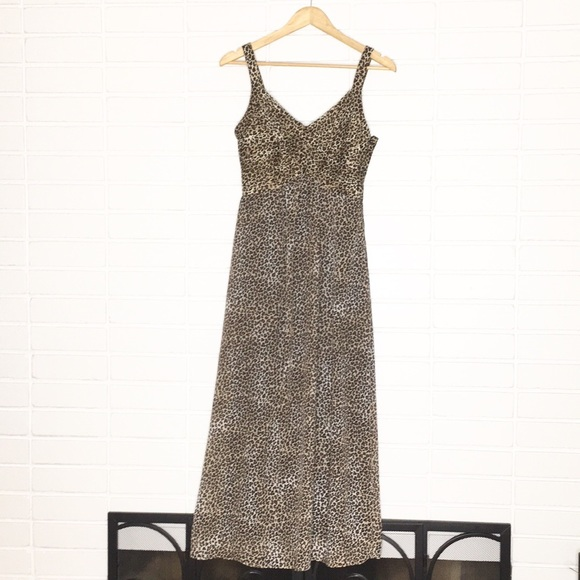 ... Cheetah Print 90 s Vintage Maxi Dress. M 5c3fb2bb035cf1093c57a9bf 8f4009638